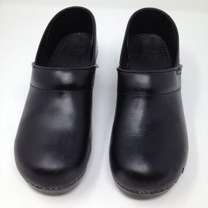 Dansko Black European Clogs Leather Size 40/9.5